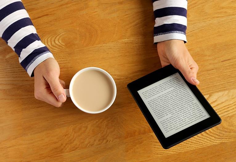 Branje knjižnična gradiva v digitalni obliki priložnost za komuniciranje izobraževanje