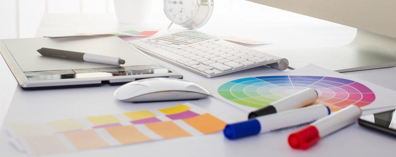 Pisalna miza grafičnega oblikovalca
